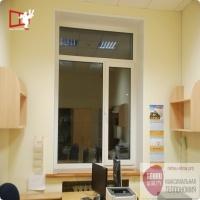 Производство и установка пластиковых окон Рехау в офис в Москве