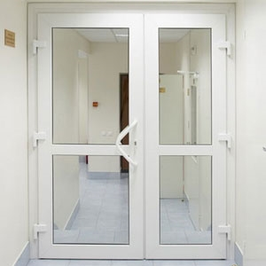 Пластиковые двери для дома и квартиры